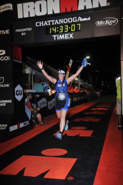 Mandy-Budzowski-Gabarda-2015-finish-line